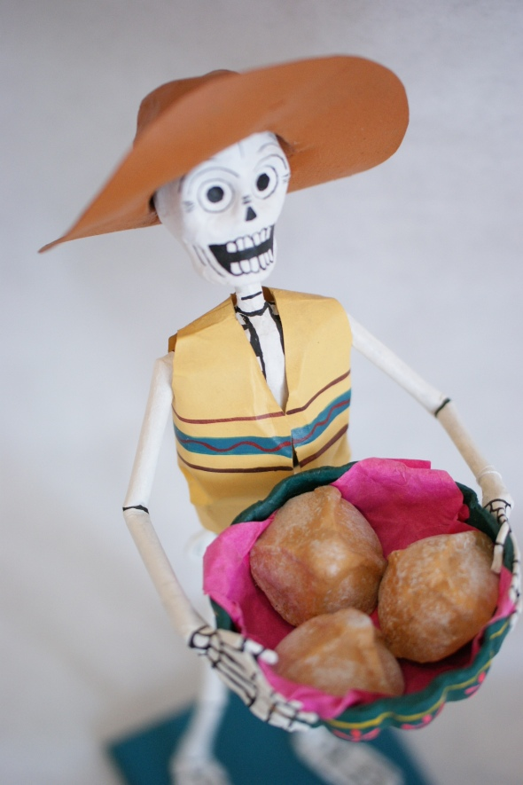 Day of the Dead Calaca Serving Pan Dulce